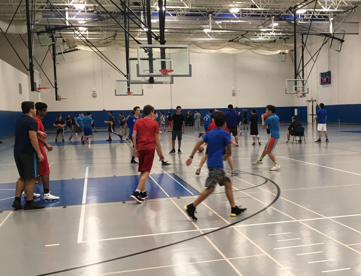 Full gym: Intramural Basketball games fill up the Fieldhouse from 6 to 8:30 p.m. on select Mondays and Wednesdays.