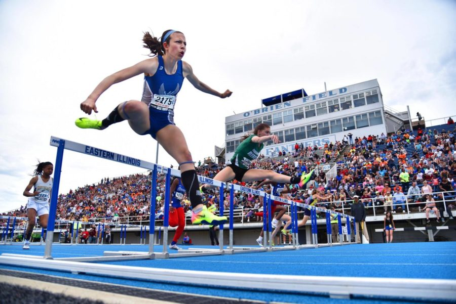 Bunning+placed+second+for+the+100-meter+hurdle+races+at+state+in+2017.+Her+time+was+14.62+seconds.++