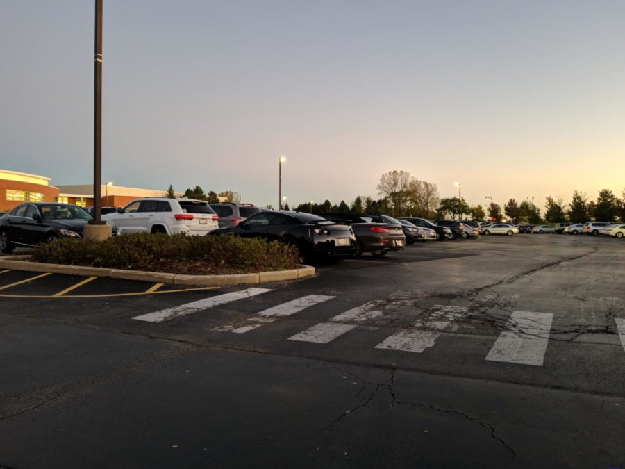 Close+spaces+and+student+driving+habits+cause+frustration+in+VHHS+parking+lots.